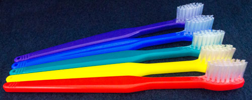 toothbrushes in 6 colors image